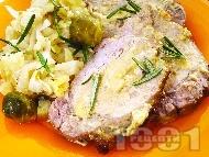 Свинско филе с кисело зеле, брюкселско зеле и праз